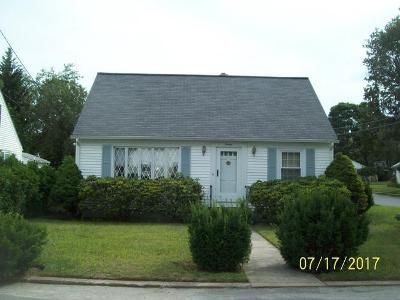 3 Bed 1 Bath Foreclosure Property in West Warwick, RI 02893 - Hopedale Dr