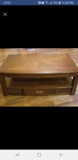 Wood coffee table with 2 end tables