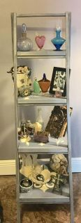 Beautiful shelf/bookcase to display your collectibles - antiques - photos etc.