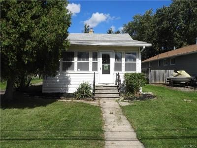 1 Bed 1 Bath Foreclosure Property in Lockport, NY 14094 - Corinthia St