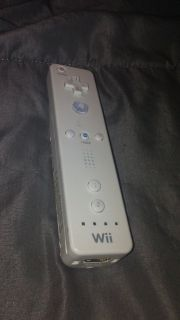 Nintendo Wii White Remote: 3 available