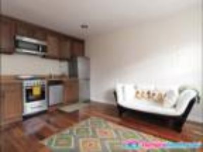 Wonderful Renovated Three BR unit Perfect for Roommates