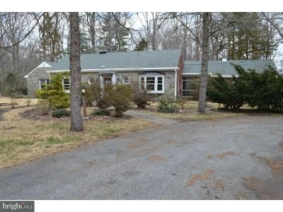 2 Bed 2 Bath Foreclosure Property in Woodstown, NJ 08098 - Laurel Ln
