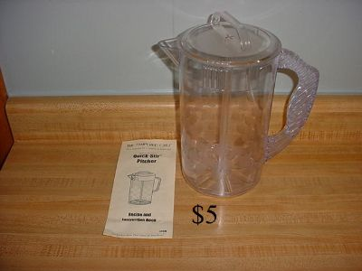 Pampered Chef 2-Quart Quick-Stir Pitcher. Mix Anything From Frozen Fruit Concentrates To Powered Drink Mixes With Just A Pump Of The...