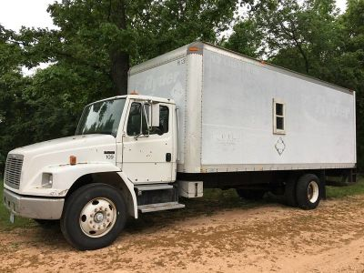 1999 Truck conversion to tiny house Freightliner FL70