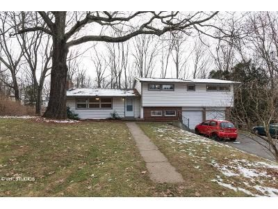 4 Bed 3 Bath Foreclosure Property in Norwich, CT 06360 - Old Tavern Rd