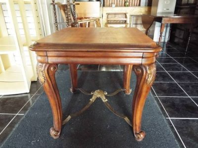 Table*End Table/Coffee Table*Beautiful*Carved Legs*Heavy duty