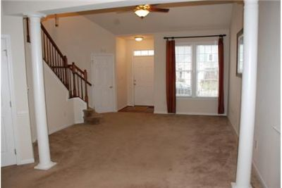Williamsburg, prime location 3 bedroom, House. Washer/Dryer Hookups!
