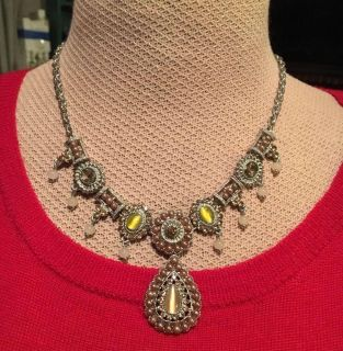 Beautiful sparkly necklace!