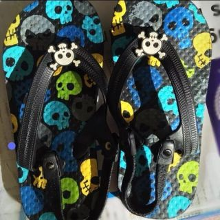 Skull sandals with straps size 10