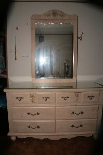 Girls Bedroom set very good condition