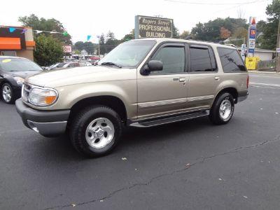 2001 Ford Explorer XLT (Gold)
