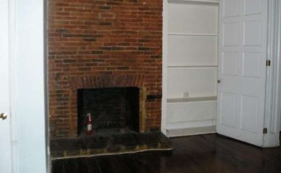 $575 1 Large Bedroom Available in a Spacious Mount Vernon townhome (Baltimore)