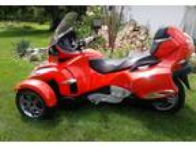 2012 Can-Am Spyder-RTS Powersport in Racine, WI