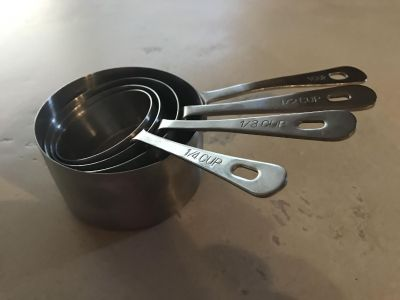 Stainless measuring cups