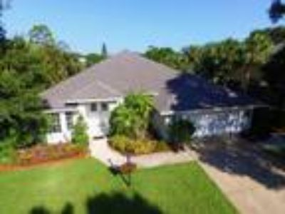 Sylvan Lakes Small Private Community surrounded b