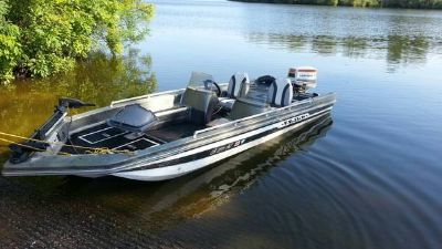 17ft Cajun bass boat