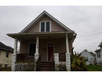 3 Bed 1 Bath Foreclosure Property in Davenport, IA 52802 - S Ohio Ave
