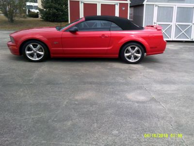 2006 Ford Mustang GT Deluxe ()