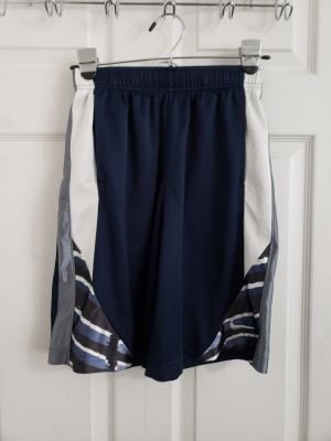 Nike Basketball Shorts Size Medium