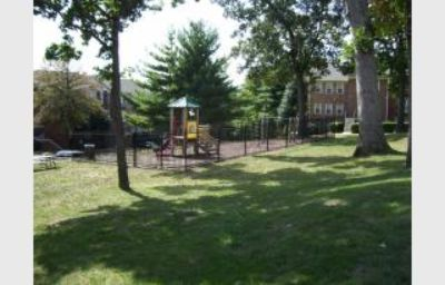$1,400, 2 BR 1 and half BA Town House in Silver Spring