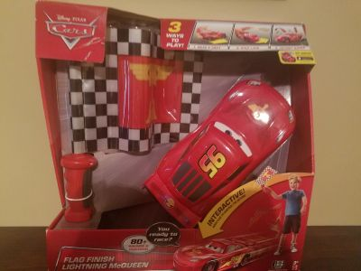 Flag Finish Lightning McQueen interactive toy