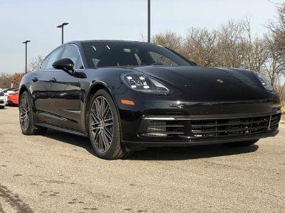 2018 Porsche Panamera S (Jet Black Metallic)