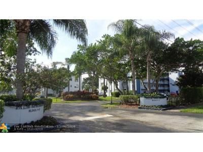 1 Bed 2 Bath Foreclosure Property in Pompano Beach, FL 33063 - NW 18th St Apt 105