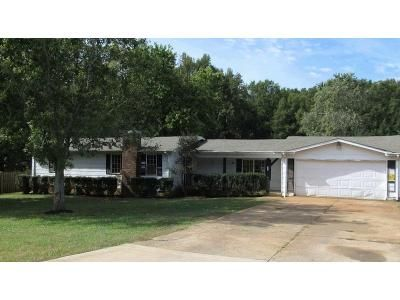2 Bed 2 Bath Foreclosure Property in Hazel Green, AL 35750 - Cottonwood Dr