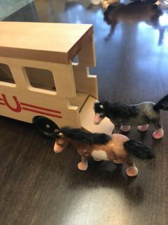 Melissa and Doug horse trailer with horses