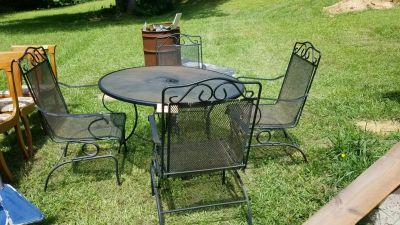 Rod Iron Patio Table & 4 chairs