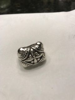 .925 Sterling silver ring size 6 like new
