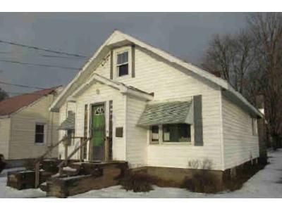 3 Bed 1.5 Bath Foreclosure Property in Corinth, NY 12822 - Center St