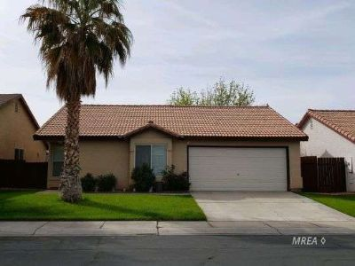 870 Sandbar St Mesquite, This Two BR, Two BA