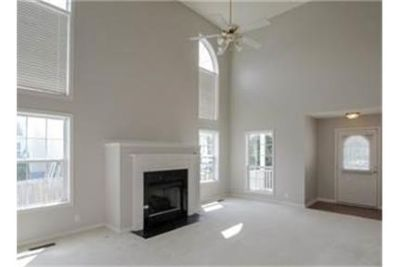 Incredible renovation on this excellent Gallatin home. Washer/Dryer Hookups!