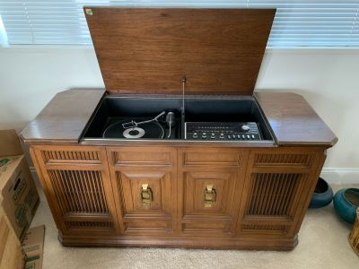 Classic Record Player with Cabinet
