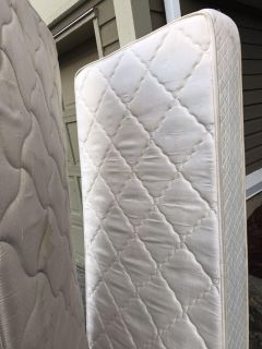 Free 2 twin mattresses in good condition