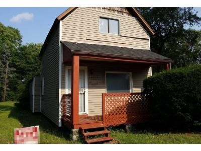 Preforeclosure Property in Hazel Crest, IL 60429 - Wood St