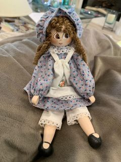 9 VINTAGE CLOTHESPIN MOVABLE DOLL