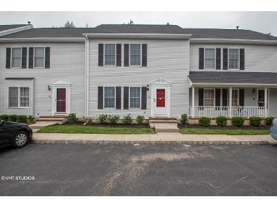 2 Bed 2.5 Bath Foreclosure Property in Somerville, NJ 08876 - Kingswood Rd
