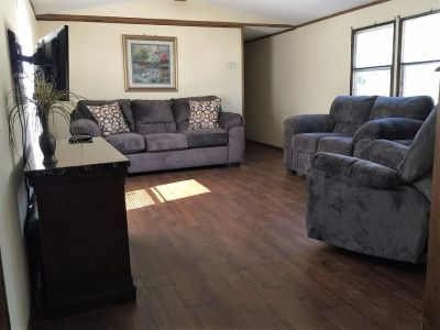 2/1 FULLY FURNISHED (ALL utilities Included)