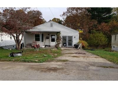 2 Bed 1 Bath Foreclosure Property in Clarksburg, WV 26301 - Verdun St