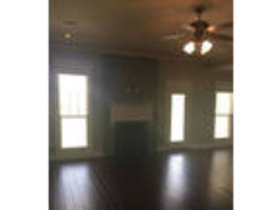 Move-in condition, 4 BR 2 BA