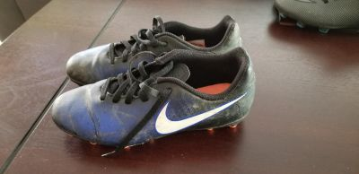 Nike Soccer Cleats (size 3)