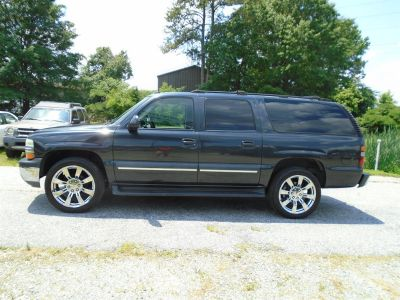 2004 Chevrolet Suburban 1500 LS ()