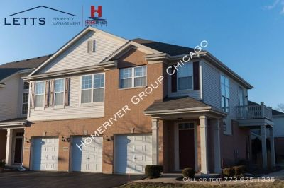 Perfectly Located 2 Bedroom 2 Bathroom Townhome