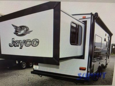By Owner! 2016 27 ft. Jayco Jayfeather x213 w/slide