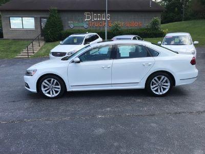 2017 Volkswagen Passat 1.8T SE (Pure White)