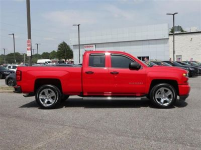 2018 Chevrolet Silverado 1500 2WD Double Cab Custom (Red)