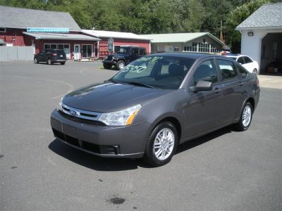 2010 Ford Focus SE (Gray)
